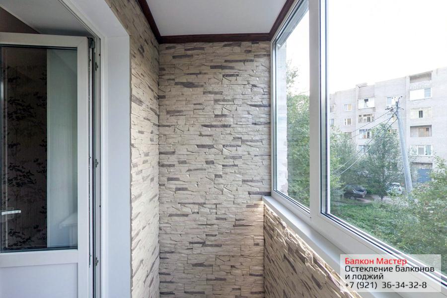 Стеновые панели.Обладают высокой влагостойкостью, не боятся попадания солнечных лучей. Хорошая адгезия с монтажной пеной при утеплении балкона